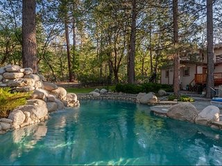 Splash Mountain Amazing Luxury Chalet w/ Private Summertime Pool / Spa / Games