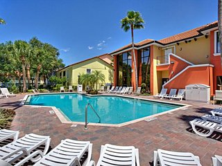Two Lovely 2BR Suites for 16 Guests! Pool, Parking Tennis,  Close to Attractions