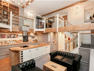 Stunning 2 Bed Property