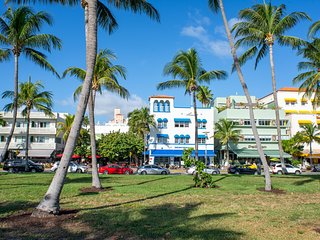 Central location to explore South Beach! 3 min walk to Ocean Drive!