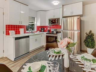 NEW! Rosa Casita - Near Hollywood Beach and downtown; Hosted by Superhost