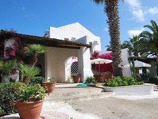Birgi Vecchi Villa Sleeps 12 with Air Con and WiFi - 5829810