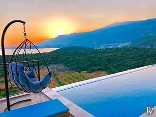 Gebze Villa Sleeps 6 with Pool and Air Con - 5829330