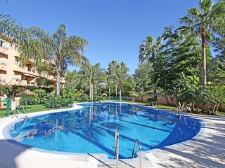 Beach Front 2. Line Family Penthouse large pool