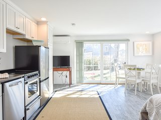 #134: Newly Renovated East End Condo w/ Beach Access, Roof Deck w/ Water Views!
