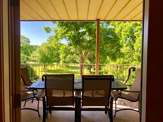 Rosé River Retreat-2BDR/2BTH- Sleeps 6!