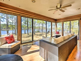 NEW! Lakefront Home on Golf Course w/ Deck + Dock!