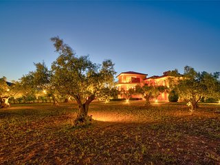 Gate, Comfy Garden Home in Olive Grove Resort