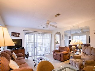 Cozy Relaxing Holiday! Two Bedroom, 2 Bath Golf View Condo in Holiday Hills!