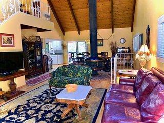NEW LISTING: Fabulous 3 Story 'Pioneer Lodge' in Lake Arrowhead Woods