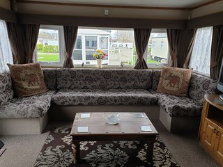 2 Bed dog friendly Caravan on Northshore Skegness