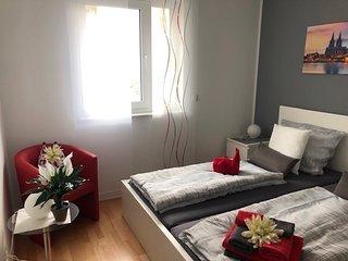 ERSTBEZUG Maisonetten Wohnung auf 3 Etagen mit Terrasse in bester Lage