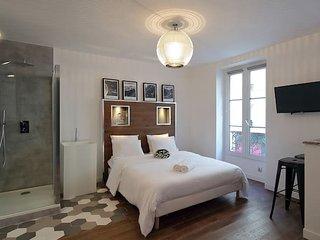 Studio-Apartment-Ensuite with Shower-City View