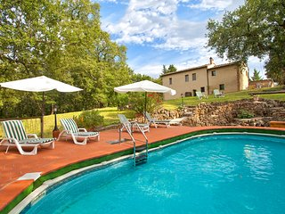Sovicille Villa Sleeps 11 with Pool and WiFi - 5826784