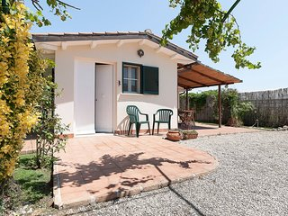 Mezzomonte Holiday Home Sleeps 6 with Air Con and WiFi - 5826759