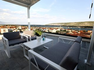 Sky Garden Luxury apartments with hot tub, Trogir(A7)