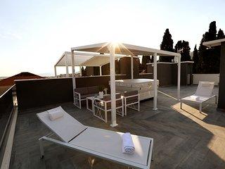 Sky Garden Luxury apartments with hot tub, Trogir(A8)