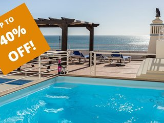 UP TO 40% OFF! BEIRA-MAR Refurbished beachfront house, Pool, AC, WiFi, sea views