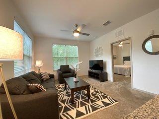 Modern & Cozy 3 Bedroom Apt Home Near Moffitt/USF!