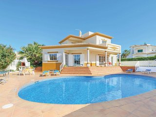 4 bed villa, 10 minutes drive to Albuferia