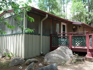 Springer's River Retreat - Cozy Cabins Real Estate, LLC.