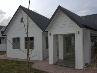 St Francis Bay Holiday Home Sleeps 8 with Pool and WiFi - 5820198