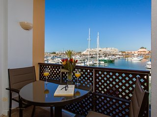 1 BEDROOM APARTAMENT WATER FRONT MARINA OF VILAMOURA