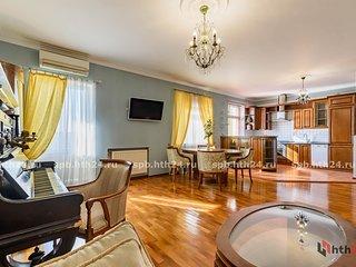 hth24 apartments Mayakovskogo 14