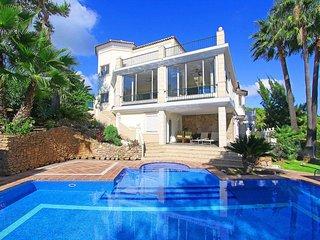 Luxury Family Villa 740M2 living area Panoram