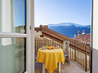 Fully renovated apartment in a 17th-century villa w/ Lake Como views!