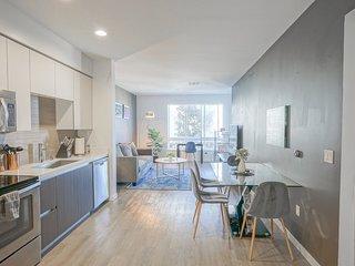 Urban Flat | Contemporary 1BR | Clean & Private
