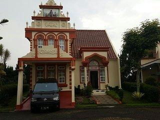 Villa Kota Bunga Homey ( R9/14 Eindhoven )