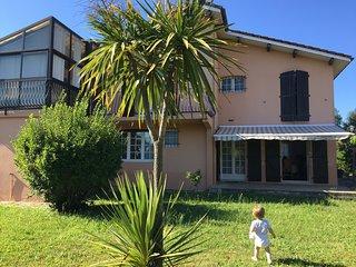 T2 plein pieds avec jardin à 400 m du Lac et des Thermes -- villa Camelia--