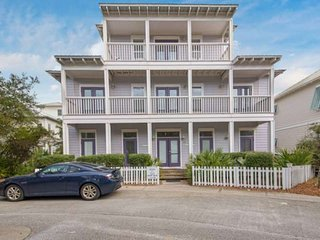 Spacious Family Friendly Beach Home! Less than 50 yards to beach access! Directl