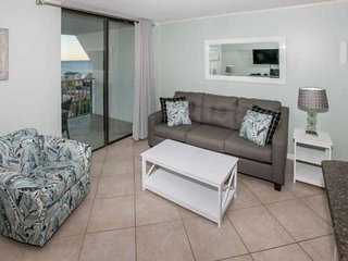 REMODELED | Gulf views 7th floor | Outdoor/Kiddie pools, Hot tub, Tennis, BBQ, P