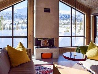 Amazing home in Flå w/ 4 Bedrooms (N33409)
