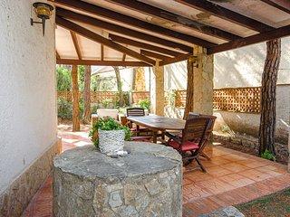 Bonita casa con jardín