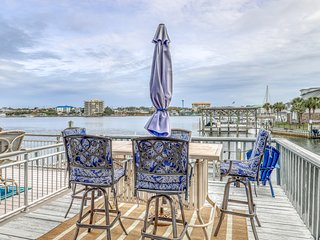 Gorgeous waterfront home w/ a private boat slip - close to the beach - Dogs OK!