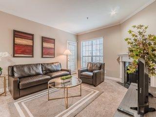 Regal Stays|2 Bedroom|2 Queen Beds & 1 Sofa Bed|Walk Score 95/100|Uptown Dallas