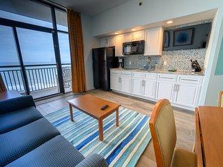 ⭐Top Floor Oceanfront Suite! View Ocean for Miles!