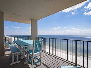 5 Bedroom ~ East Corner ~ Sleeps 15 ~ Close to FloraBama ~ Gulf Front ~ Pools ~