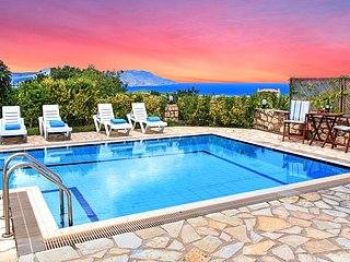 Mare Blue Villas 20 guests, 2 Private Swimming Pools