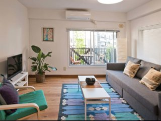 2BR Renovated as New, Walking Distance to Electric City of Akihabara