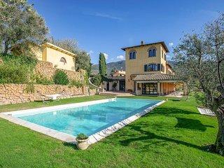 Stunning home in Poggio Catino w/ Outdoor swimming pool, Sauna and WiFi (IRU385)