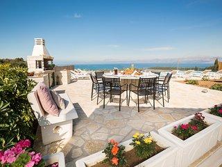 Vasilika Peritheias Villa Sleeps 10 with Pool Air Con and WiFi - 5834777