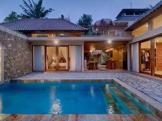 4 BR Fabulous Private Pool Villa & Breakfast W/Pool View   (kkm57)
