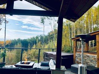 Summit View Suites w/Hot Tub, Aurora + Mountain Views