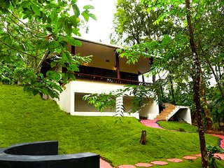 Green Garden Lotus Villa