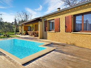 Nice home in St. Andre de Roquepert w/ WiFi, Outdoor swimming pool and 3 Bedroom