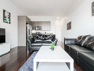 Beautiful Duplex 2BD/1BA Apartment in Back Bay - Copley 1F8